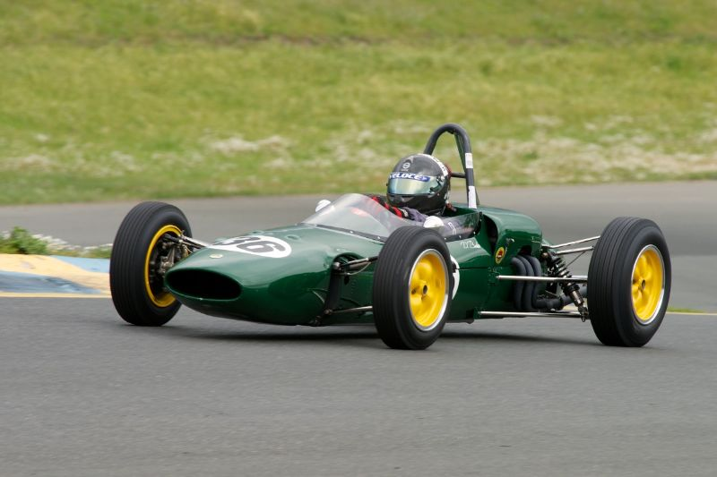 Friday afternoon practice. Group 5 Danny Baker in his 1963 Lotus 27 F-Jr.
