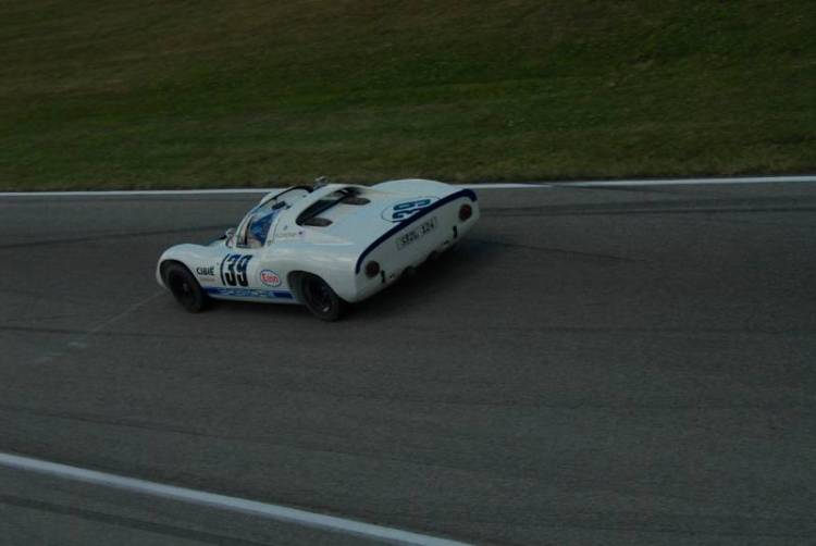 1966 Porsche 910 of Jon Higgins.