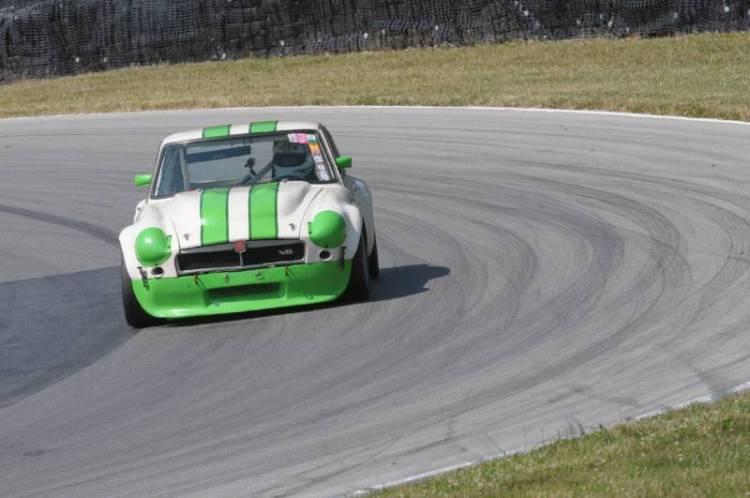 Les Gonda- V8 MGB-GT.
