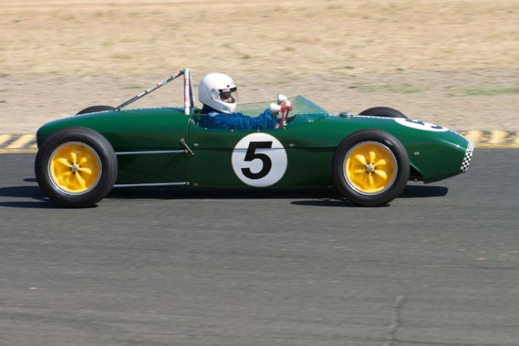 Vern Neff in his 1960 Lotus 18 F-Jr.