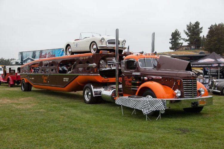 Dunkel Bros. 1949 GMC and 1947 Mechanical Handling Systems car hauler.