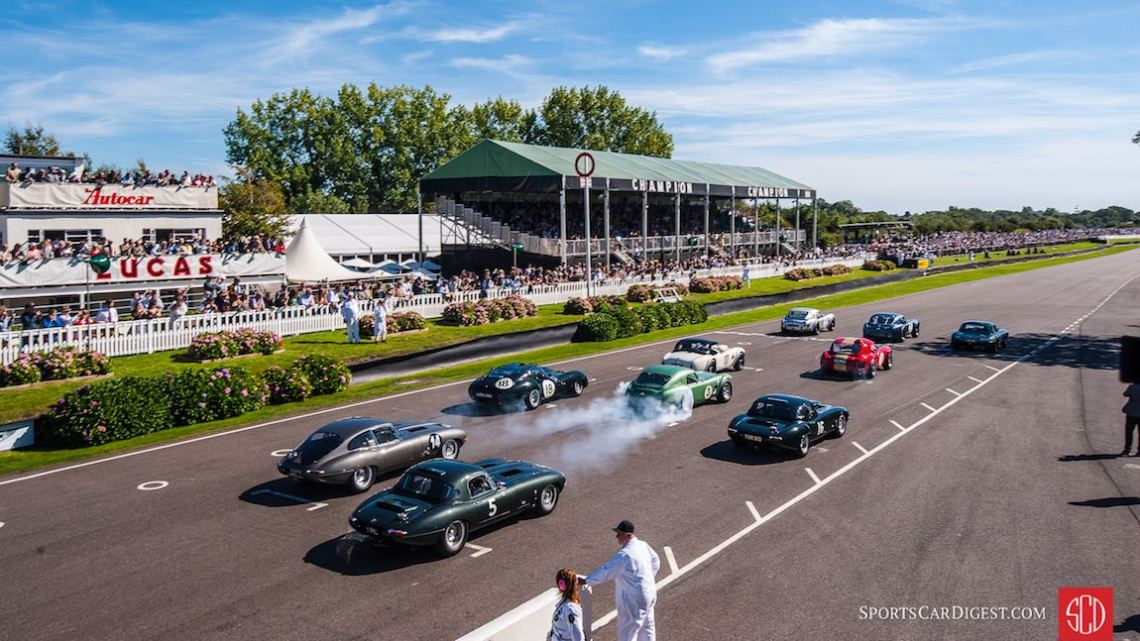 Start of the RAC Touring Trophy Celebration at the Goodwood Revival (photo: Julien Mahiels)