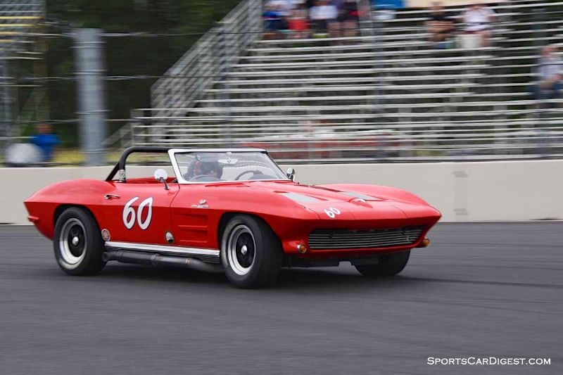 Tony Hart's 1963 Chevrolet Corvette at Portland Historic Races 2015