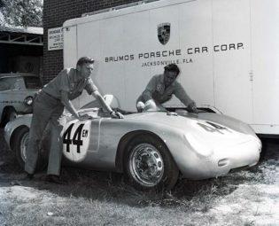 Brumos Porsche 550