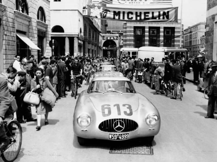 Mercedes-Benz 300 SL (W 194), Rudolf Caracciola and Peter Kurrle, starting number 613, Mille Miglia 1952