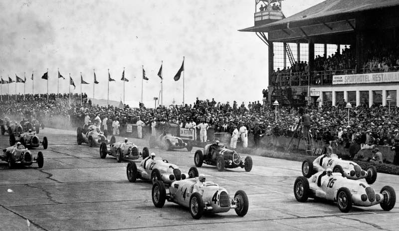 German Grand Prix at the Nürburgring, 25 July 1937, shortly after the start. Rudolf Caracciola in the Mercedes-Benz W 125 racing car (car no. 12) won the race ahead of his teammate Manfred von Brauchitsch (car no. 14)