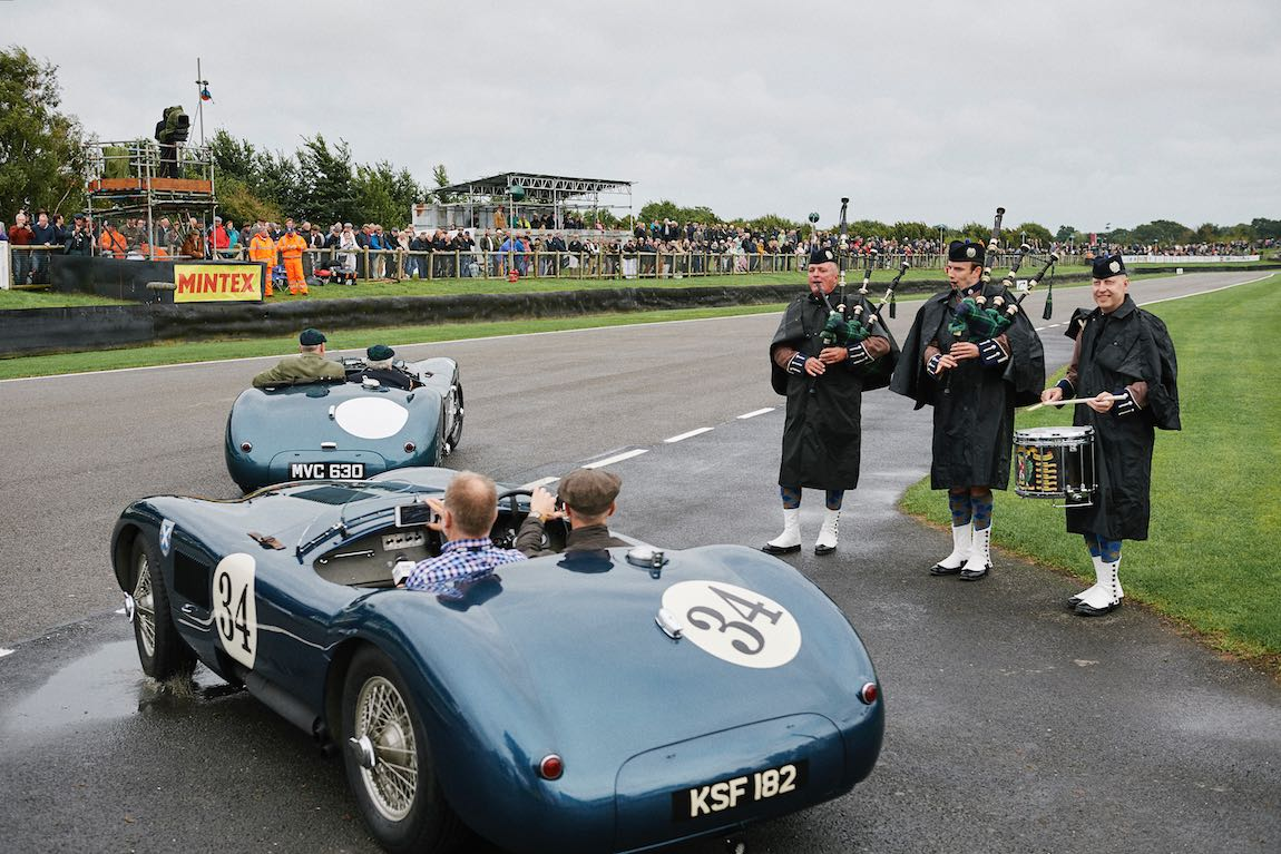 Bagpipes players and Ecurie Ecosse