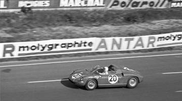 Ferrari 275 P winning the Le Mans 24 Hour race in 1964 (photo: The Cahier Archive)