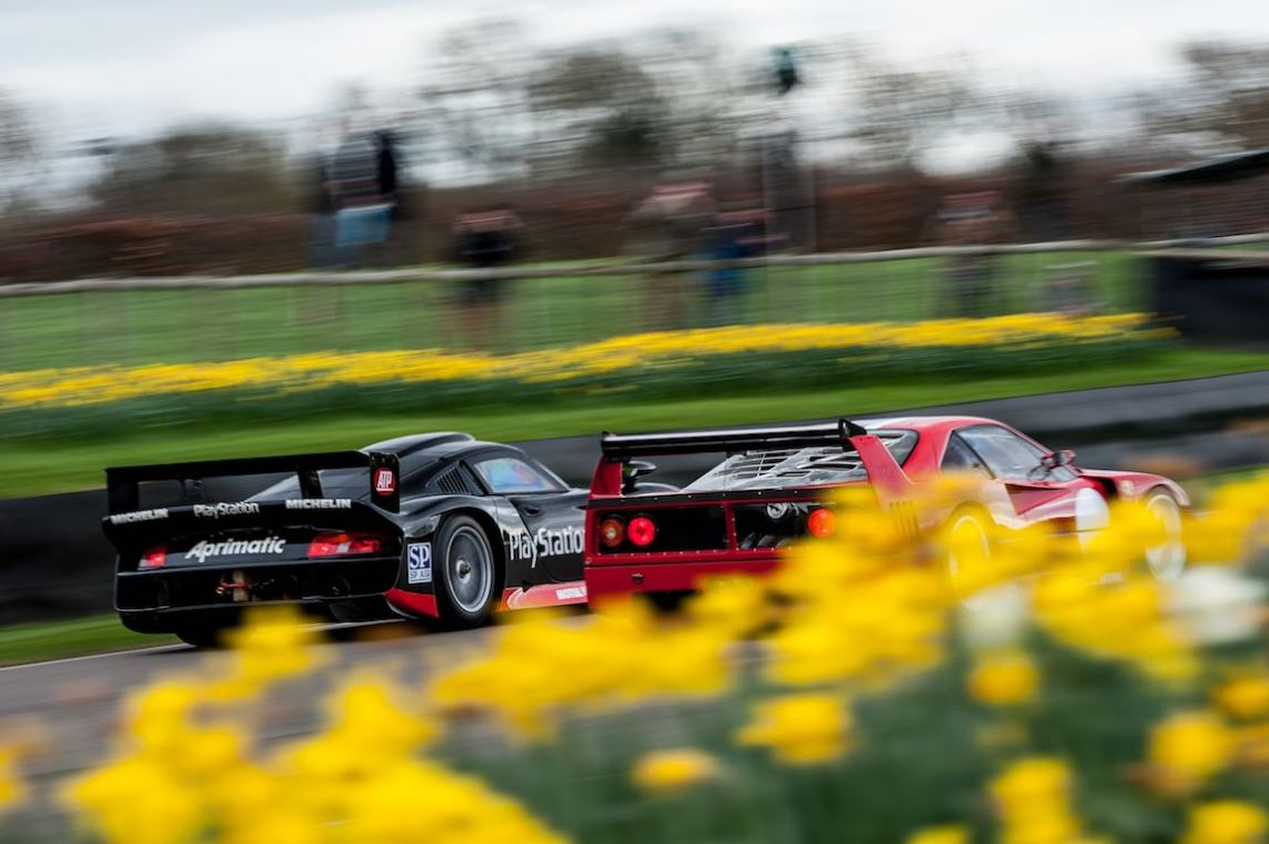 Porsche 911 GT1 and Ferrari F40 LM at the Goodwood Members Meeting (photo: Julien Mahiels)