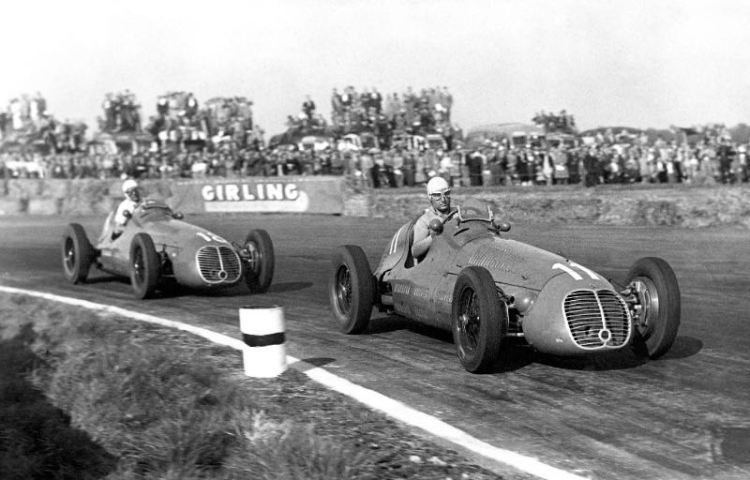 Villoresi (winner) and Ascari at the 1948 British Grand Prix. Credit SHL/BRDC