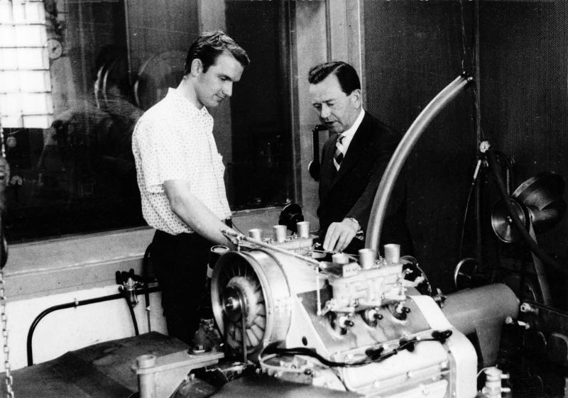Ferdinand Piëch (left) and Ferry Porsche next to the engine of the Type 718/2 of the Porsche 901, approx. 1963.