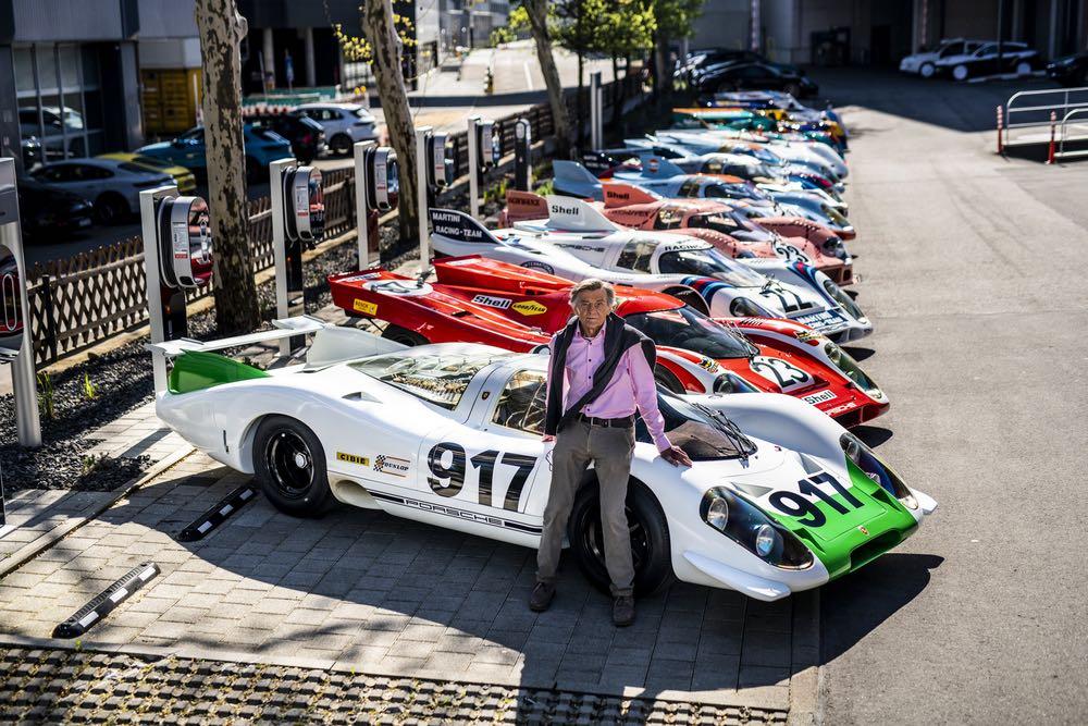 Hans Mezger in front of 917 legends