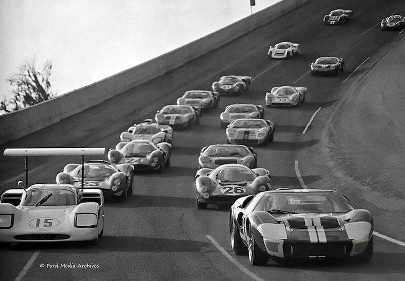 https://i0.wp.com/s3.amazonaws.com/scardigest/wp-content/uploads/28-Daytona1967-Start-2.jpg