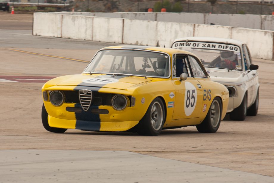 Bob Wass leads the into turn 11, in his 1967 Alfa Romer GTV.