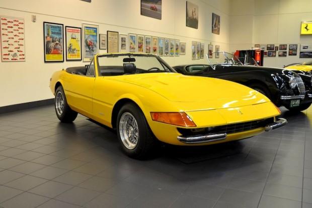 Giallo Fly Ferrari 365 GTB/4 Daytona Spyder