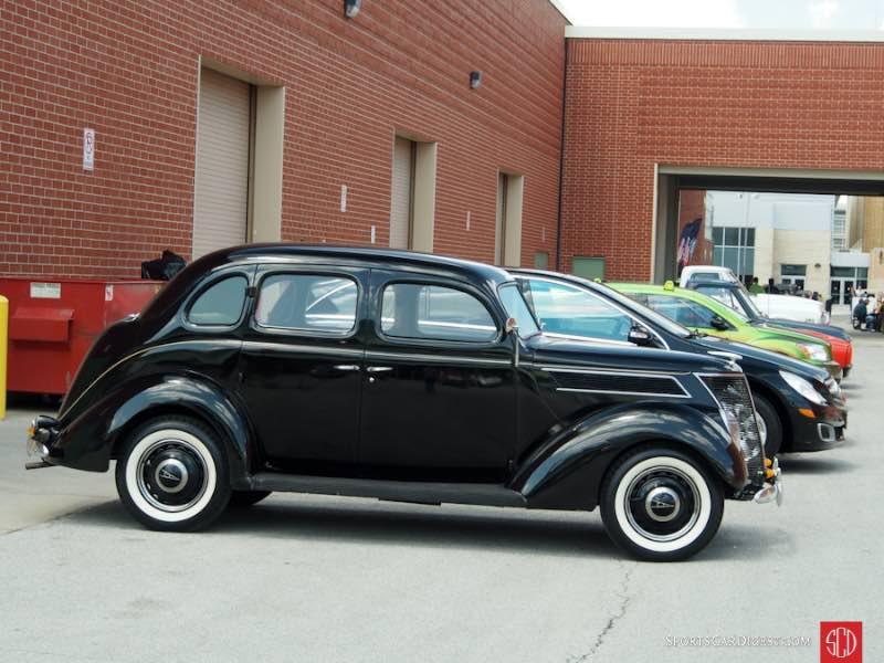 1937 Ford Model 74 Fordor