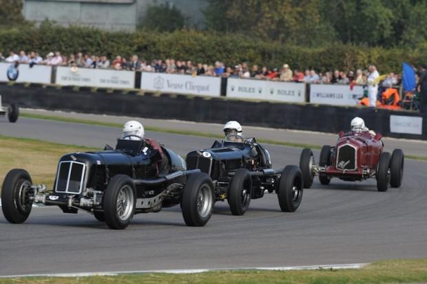J Mac Hulbert - ERA D-Type R4D leads Paddins Dowling - ERA B-Type R10B and Matt Grist - Alfa Romeo Tipo B