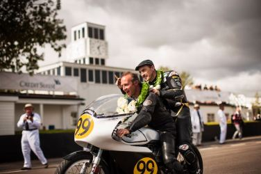 Jeremy McWilliams and Duncan Fitchett, winners of Barry Sheene Memorial Trophy pt1, Manx Norton 500 (photo: Drew Gibson)