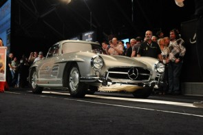 Mercedes-Benz 300SL Gullwing sold for $2,035,000