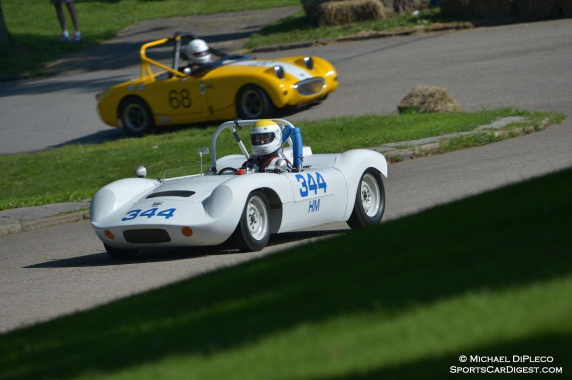 Bob Fairbanks drive the 1965 Devin Sabb H-Mod.