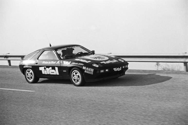 Record ride of a Porsche 928 S in 1982 in Nardo