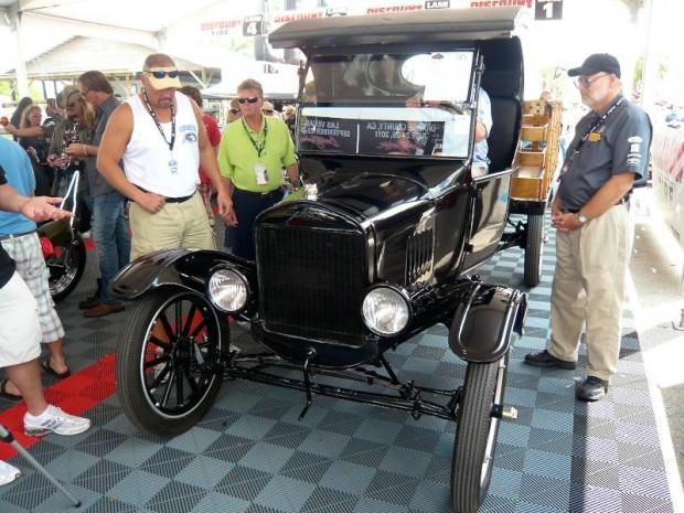 1924 Ford Model T C-cab Pickup