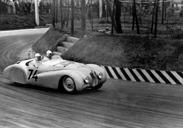 BMW 328 Mille Miglia Roadster - 1940 Mille Miglia Grand Prix in Brescia