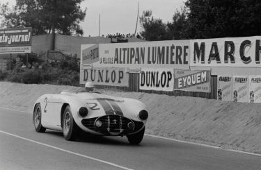 The 1953 Cunningham C-5R during the 1953 24 Hours of Le Mans