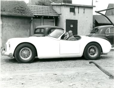 The Cunningham C-1 Roadster around Circuit de la Sarthe in 1951