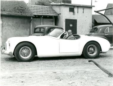 The Cunningham C-1 Roadster around Circuit de la Sarthe in 1951