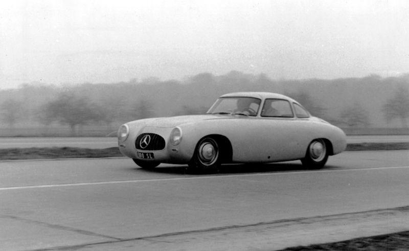 Mercedes-Benz SL Celebrates 60th Birthday