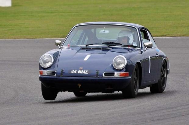 Robert Barrie three wheels his Porsche 911 to victory in Class B2