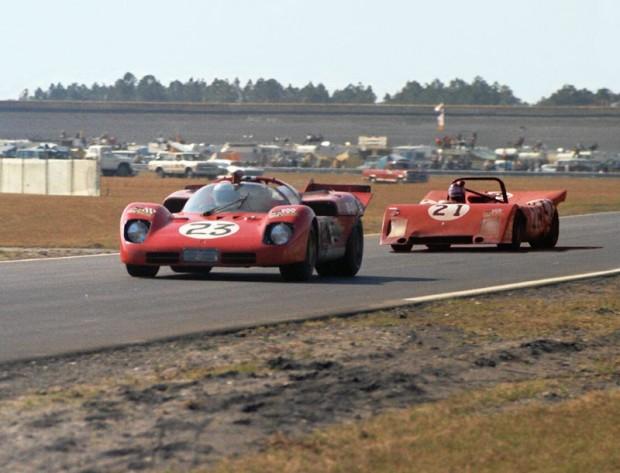 Tony Adamowicz in his NART Ferrari 512S,  Luigi Chinetti, Jr. in his NART Ferrari 312P.