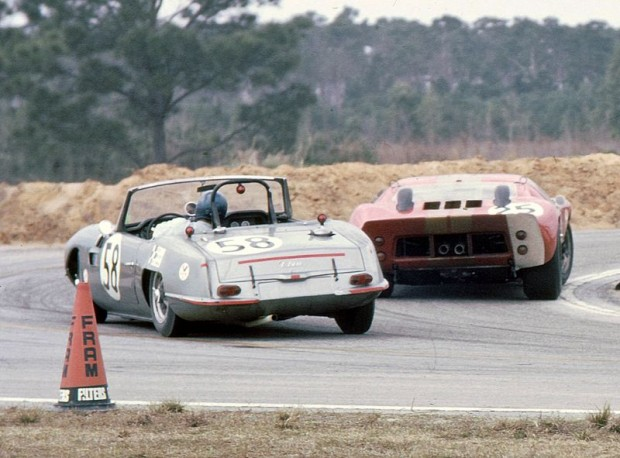 Going into the Hairpin Turn the Elva Courier Mk IV Ford of William McKemie and Fred Opert experiences some brake fade and goes wide to avoid hitting the Whitmore/Gardner GT40.