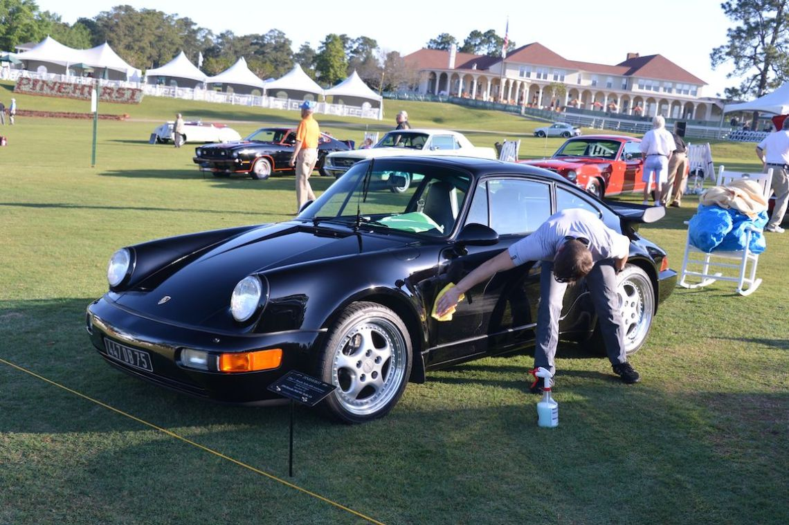 Trevor Ely puts the finishing touches on the class-winning 1994 Porsche 911 Turbo 3.6