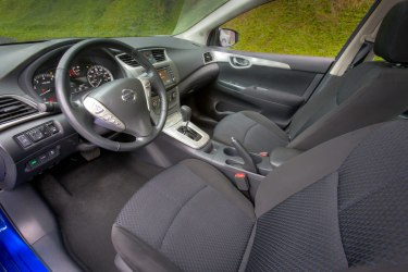 Basic, functional interior in the Sentra SV