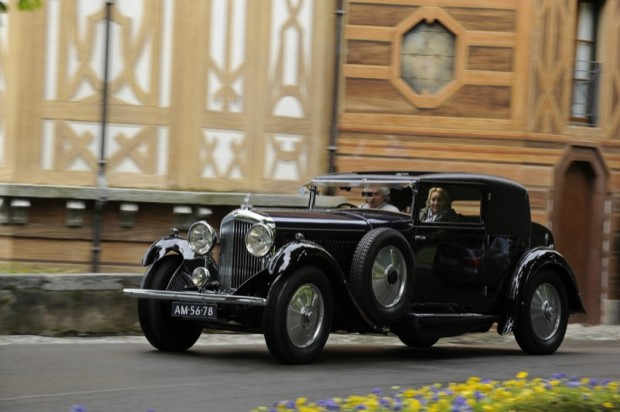 <strong>Trofeo Banque Baring Brothers Sturdza and Trofeo Automobile Club di Como - To the car driven from farthest away</strong>, 1931 Bentley 8 Litre Sportsman Coupe Gurney Nutting, Frans van Haren, Netherlands