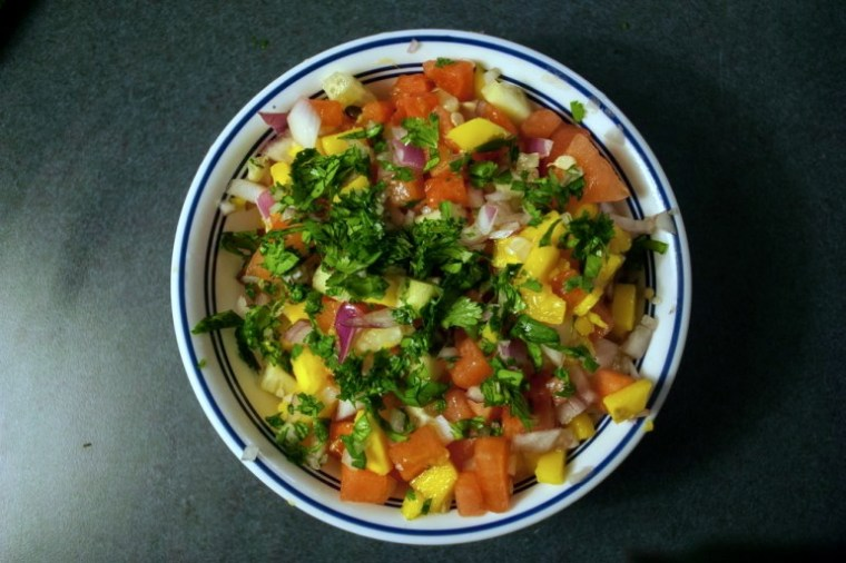 Persil, ananas, coriandre, salsa, mangue