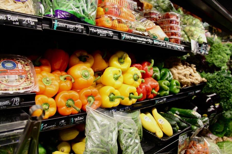 la tomate, le brocoli, le chou, l'aubergine, l'ail, le poivre, le légume