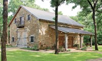 From Antique Dutch Barn to Lone Star Lake House