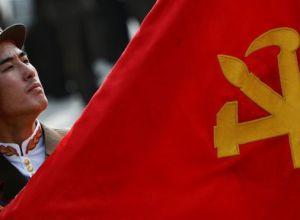 El desfile militar de Corea del Norte, con pompones