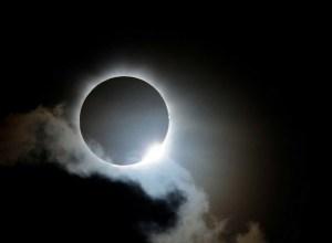 4 hechos curiosos que resaltaron durante el paso del eclipse solar por EEUU