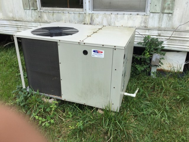 San Leon, TX - Performed repair on burnt and bad breaker . Breaker was burnt up causing complete power loss to AIr Conditioning system.