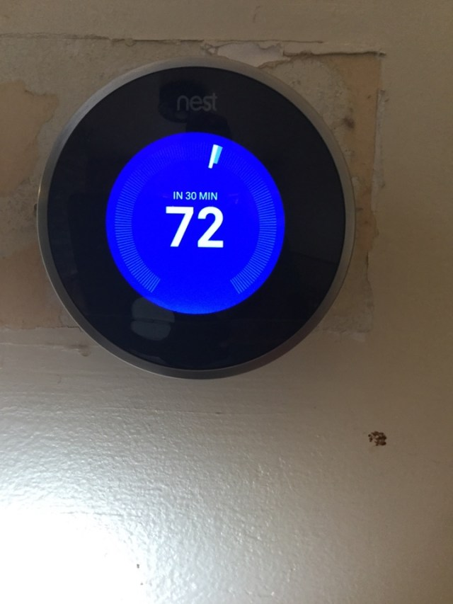 Pearland, TX - Ac and heating service. Checking Nest wifi thermostat Goodman system.