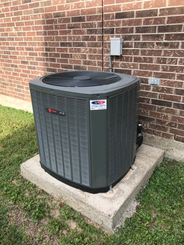 Friendswood, TX - Water leak after hours service. Trane system running good.