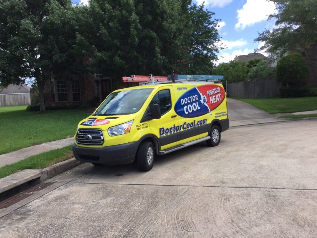 Houston, TX - Ac service call. Repaired Amana air conditioning system by replacing failed run capacitor and relay