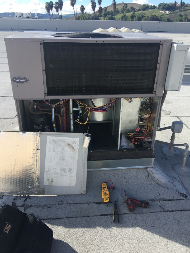 Walnut, CA - I diagnosed this system and need to replace the run capacitor.