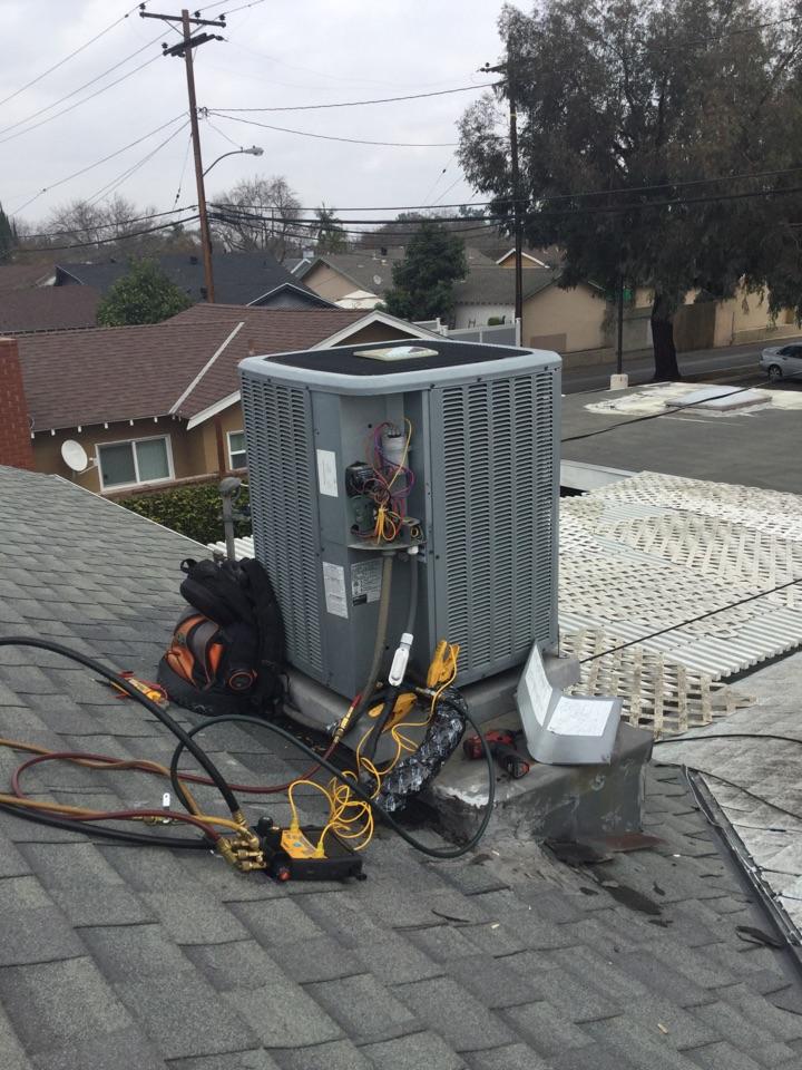 Lakewood, CA - Warranty Call, TXV restriction