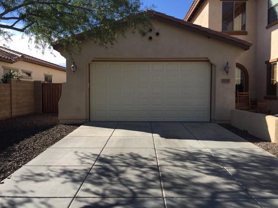 FJs 24 Hour Garage Door Service in Peoria AZ