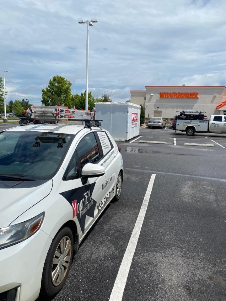 Daphne, AL - Here at the Whataburger in Daphne, AL replacing a malfunctioning credit card reader